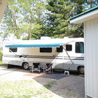 """33' CRUISE MASTER  """"READY TO GO """" GREAT DEAL !!!!!"""
