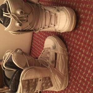 Women size 6 snowboarding boots