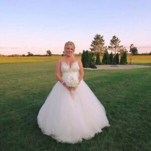 Wedding dress for sale !
