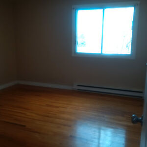 LASALLE-VERY BIG 4 1/2 -AVAILABLE FEBRUARY 1ST -NEAR WATERFRONT
