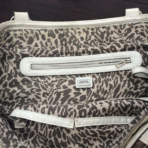 Large Guess purse or Tote Stratford Kitchener Area image 2