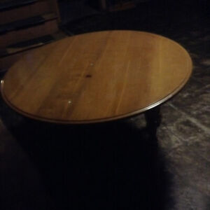 Table round  Free.