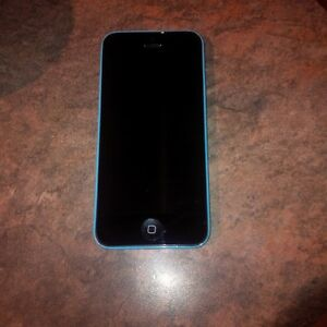 Iphone 5C - 8GB - no scratches - unlocked - perfect condition