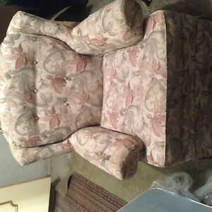 2 chairs for free. Stratford Kitchener Area image 2