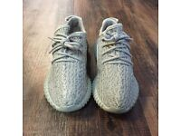 YEEZY 350 BOOSTS MOONROCK SIZE 6.5 WITH RECEIPT BRAND NEW FRESH OUT OF THE BOX!
