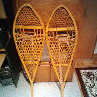Large beavertail snow shoes