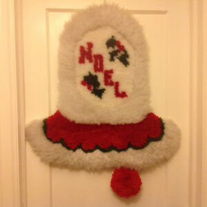 Hand hooked Christmas Bell Wall or Door Decoration Peterborough Peterborough Area image 1