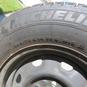 4 X-ICE WINTER TIRES WITH RIMS - VERY LITTLE WEAR