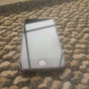 iPhone 5s almost new.