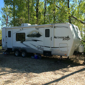 New Condition!!  2011 24 ft Timber Ridge Travel Trailer