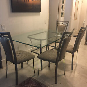Dining Table and Coffee Table Set in Great Shape