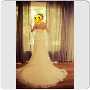 """Maggie Sottero Eileen IvoryOrganza/Lace Gown and Veil 32"""""""
