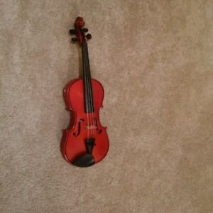 1/2 size Violin (Stentor) - Excellent quality!