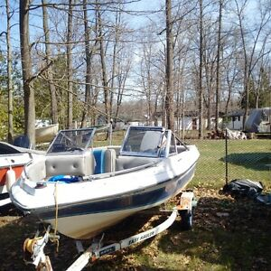 93 Tempest bowrider (Tentatively Sold pending p/u this Saturday)