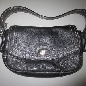 DANIER LEATHER PURSE**LIKE NEW**