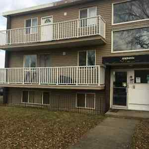 1 & 2 Bedroom apartment building close to royal Alex and Rogers Edmonton Edmonton Area image 5