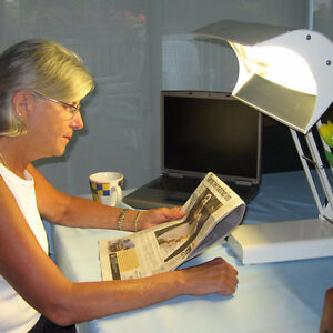 NORTHERN TECHNOLOGIES LIGHT THERAPY LAMP