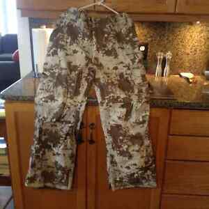 3 PAIRS OF GENTLY USED MENS SNOWBOARD PANTS Strathcona County Edmonton Area image 3