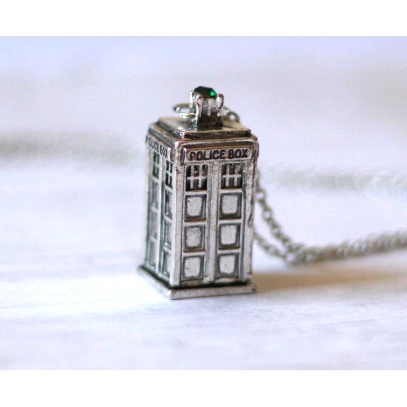 Brand New Doctor who police station necklace