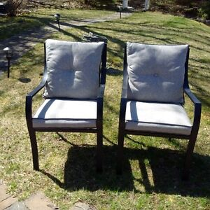 OUTDOOR PATIO DINING CHAIRS - SET OF 10 - W/ CUSHIONS
