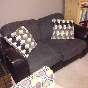 Loveseat: Excellent Condition