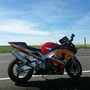 NEED GONE ASAP!!!  2000 CBR 929RR