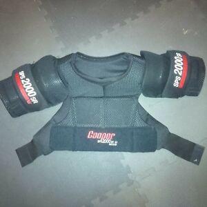 Like New mens Cooper shoulder pads. Kitchener / Waterloo Kitchener Area image 1