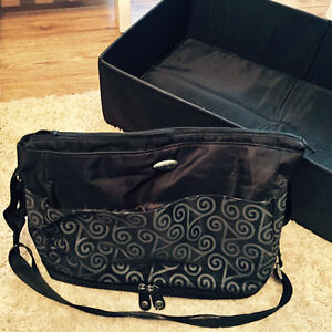 SootheTime diaper bag with portable rest bed Kitchener / Waterloo Kitchener Area image 1