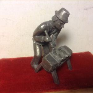 """Royal Daalderop 3 1/4"""" Pewter Shoemaker Shoe Cobbler Figurine"""