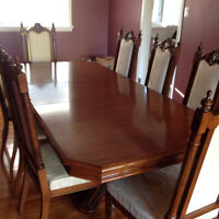 Beautiful Dining Table, Buffet and Hutch