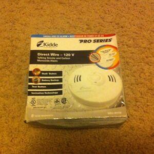 Direct wire-120v Talking smoke and cardon monoxide alarm Regina Regina Area image 1