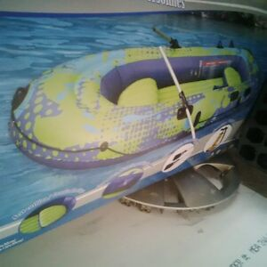inflatable dingy/boat