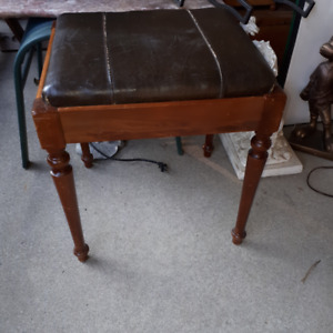 LEATHER PIANO VANITY SEWING VINTAGE STOOL BENCH - $55