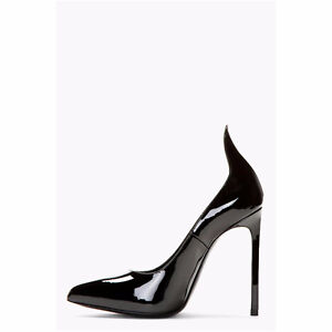Authentic Saint Laurent thorn pump size 39