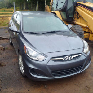 ** ONLY 66,000 km** Price reduced ***2014 Hyundai Accent