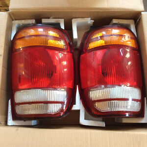 Tail Lights for 98-01 Ford Explorer