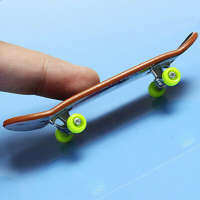 Miniature Toy Fashion Skateboard Skate Board Boy Finger Toy Surf Board Sport