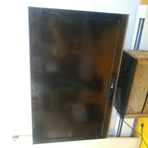 "40"" flat screen tv (television)"