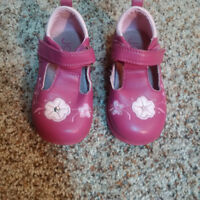 Pink Mary Jane dress shoes-size 4