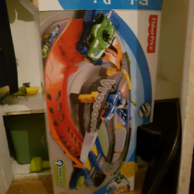Fisher price Shake & Go RACE set with 2 cars
