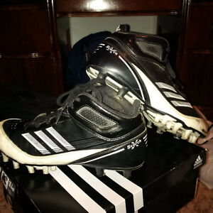 FOOTBALL AND BASEBALL ATHLETIC CLEATS