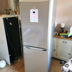 🍓Large 🍇silver🥝 fridge freezer🥕 free local delivery❤️