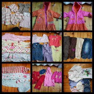 Lot vêtements pour fille (Plus de 30 morceaux)