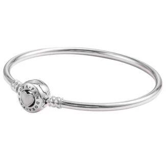 brand new pandora bracelet size small