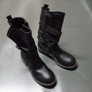 Womens Black Leather Boots - Size 4.5
