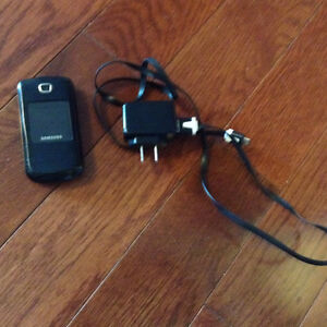 Samsung flip phone & charger with bell