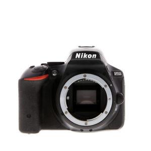 Nikon D5500 avec lentille 18-55 VR
