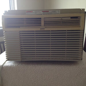Kenmore 10,000 BTU   A/C  blows cold!  80.00 delivered!