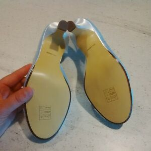 Size 6 White Satin Shoes London Ontario image 3