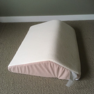 Wedge pillow for back relief